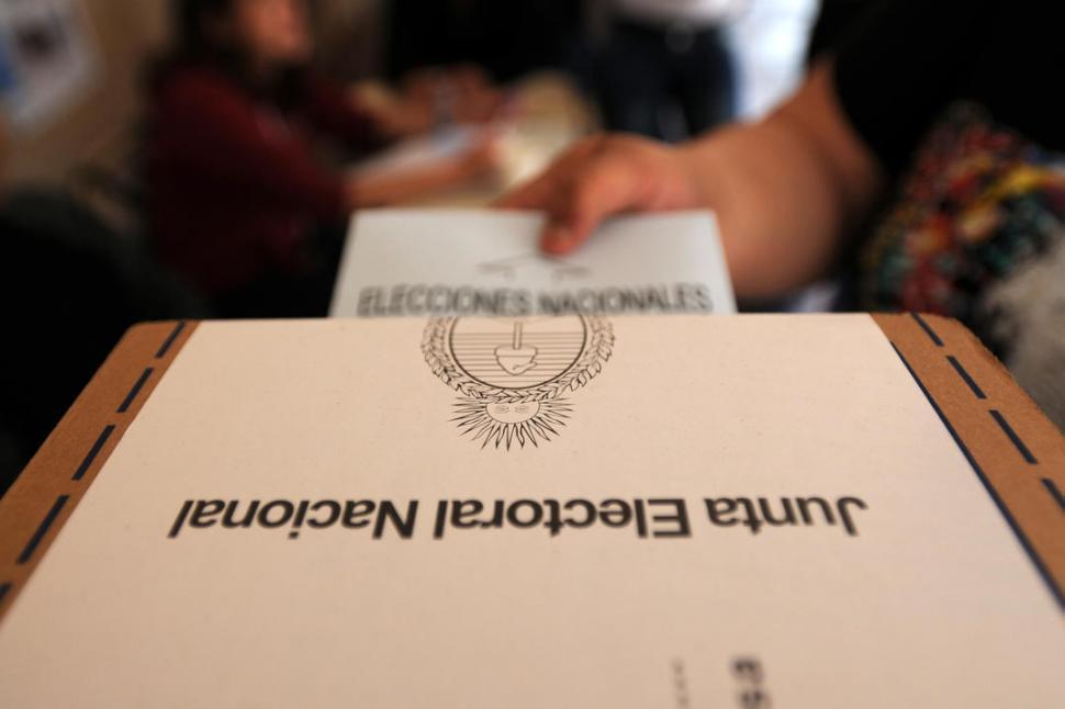 En las elecciones se votan más personas que ideas