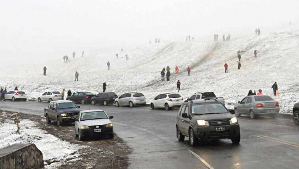 La ruta a los Valles está transitable, pero hay que manejar con precaución