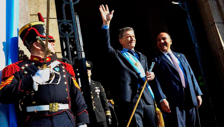 OTROS TIEMPOS. Macri y Manzur, durante los festejos del Bicentenario; todo indica que mañana no se reunirán. ARCHIVO