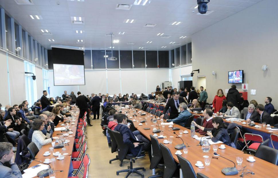 Diputados debate expulsar a De Vido