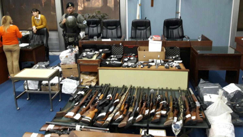 Estas son las armas que les secuestraron a El Mono y a La Chancha Ale