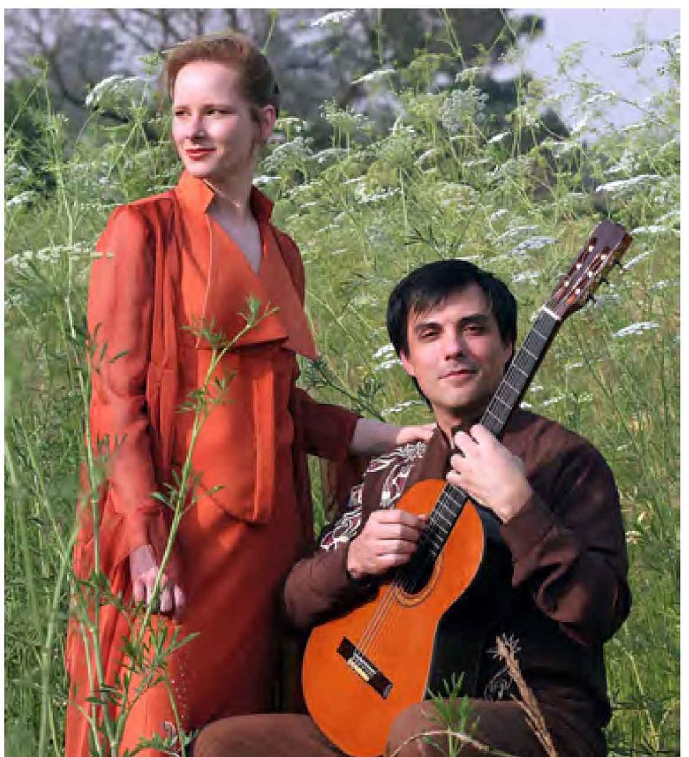 VOZ Y GUITARRA. Annelise Skovmand y González Jazey son Rosa Incaica.