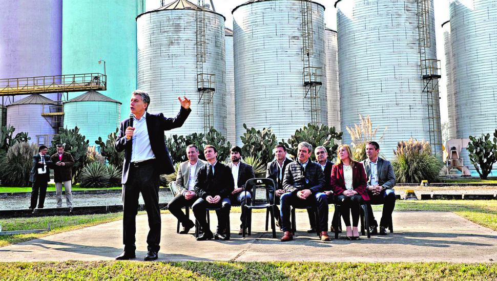Macri exige a Manzur que rinda cuenta de los dineros públicos