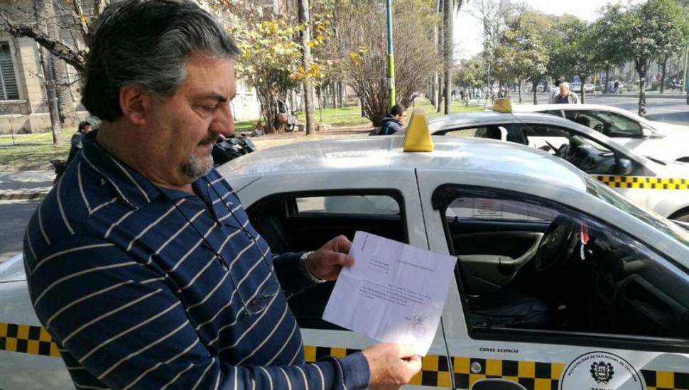 Un taxista estuvo afiliado durante 26 años al Partido Justicialista nacional, y no lo sabía