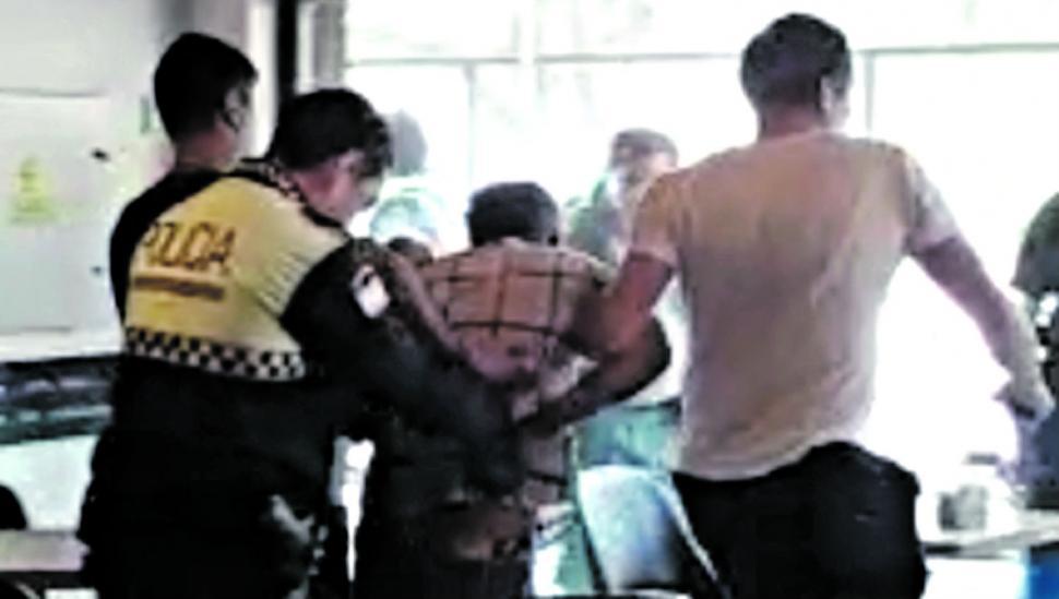 Tensa liberación de una rehén en un bar de Concepción