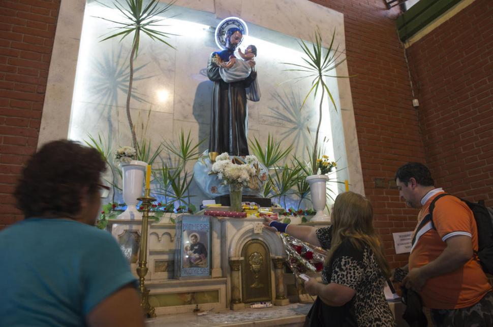 San Cayetano concede los pedidos y los fieles cumplen sus promesas