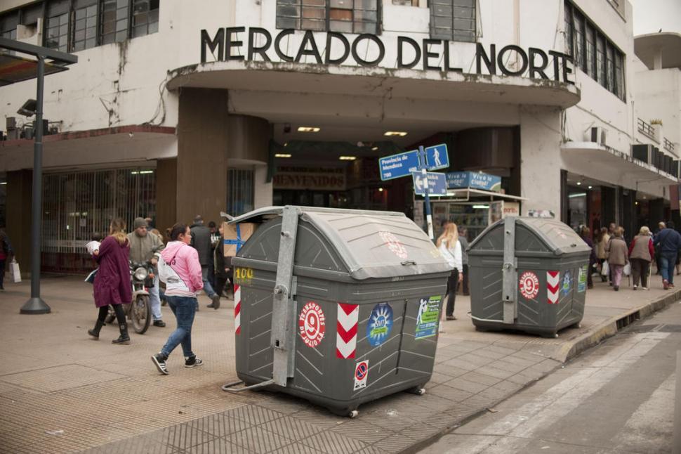 A TENER EN CUENTA. Los contenedores son mal utilizados y además están mal ubicados.-