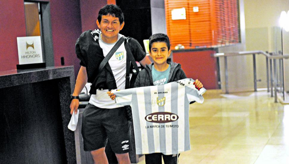 Atlético-Independiente, primer capítulo de la trilogía futbolística