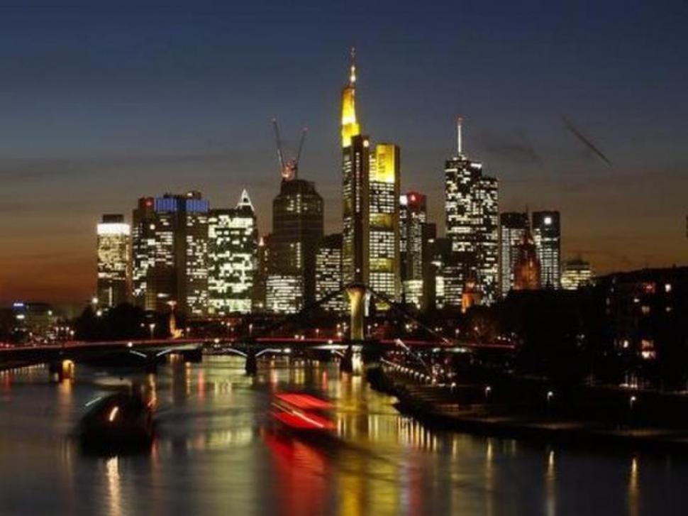 URBE. Frankfurt es la ciudad de los rascacielos y sede del Deutsche Bank. reuters