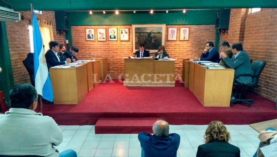 """La banca """"judicializada"""" permanece vacante, luego de otra tensa sesión"""