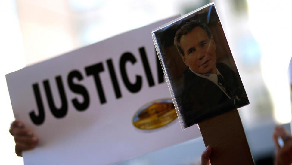 Pericias de Gendarmería arrojarían que el fiscal Nisman fue asesinado