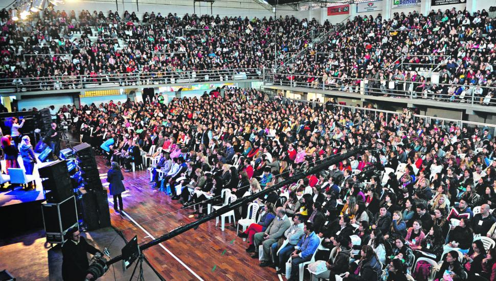 El futuro de la educación se debate en Tucumán