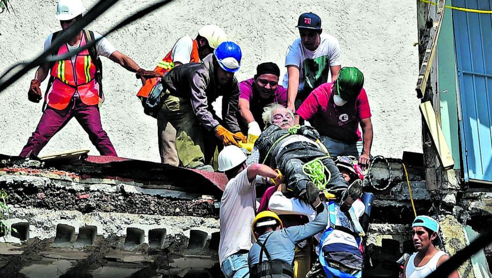 México llora por otro sismo