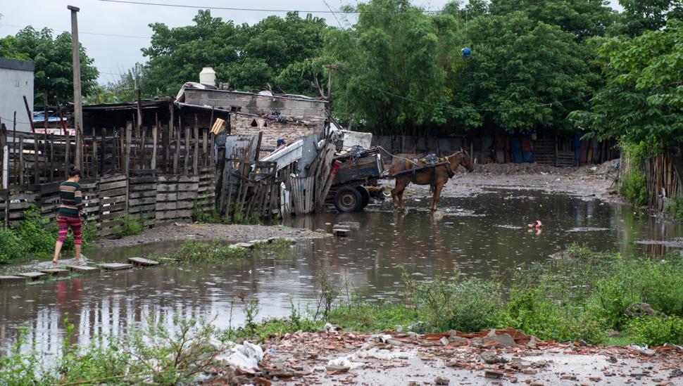 Según el Indec, la pobreza en el área del Gran Tucumán bajó al 24,3%
