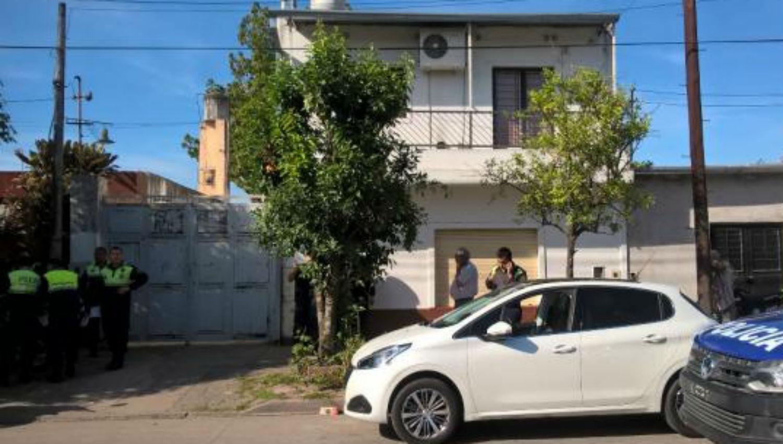 Horror y tristeza en Santa Fe al 1.800: una mujer degolló a sus dos hijos e intentó suicidarse