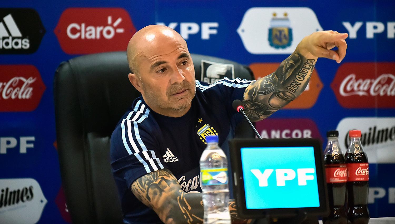 Jorge Sampaoli llamó a una radio para pedir que le pasaran un tema de La Renga