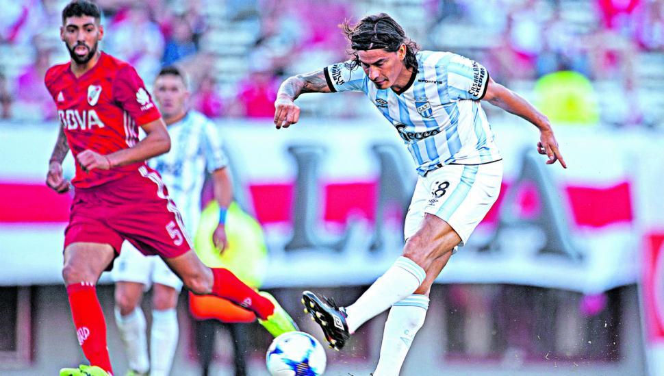 Atlético, feliz con el empate; River sufre y se aleja de Boca
