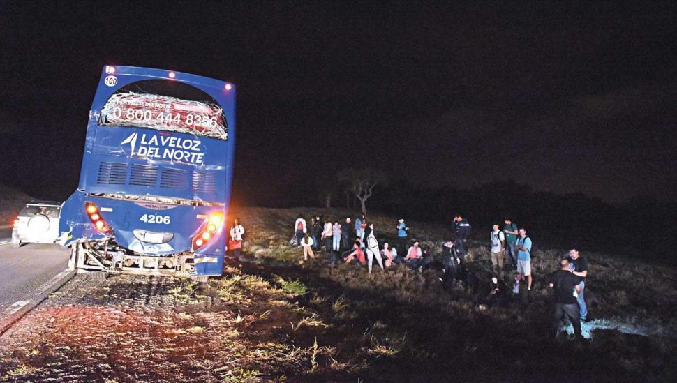 Ocho pasajeros heridos por un choque en cadena en la ruta 9