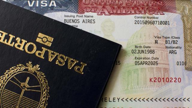 Resultado de imagen para arrancar visa del pasaporte