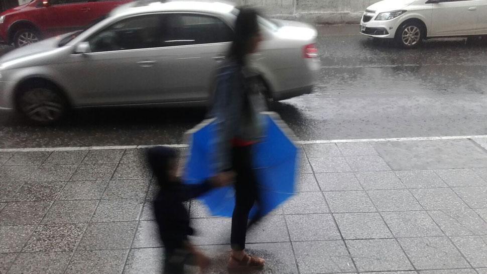 Con el paraguas a todos lados