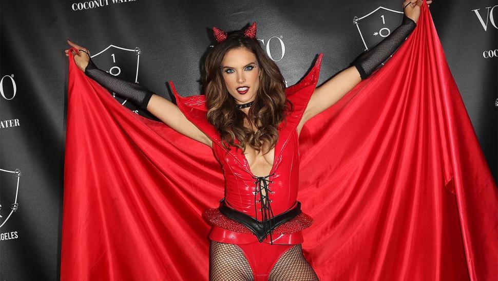 Alessandra Ambrosio de diabla