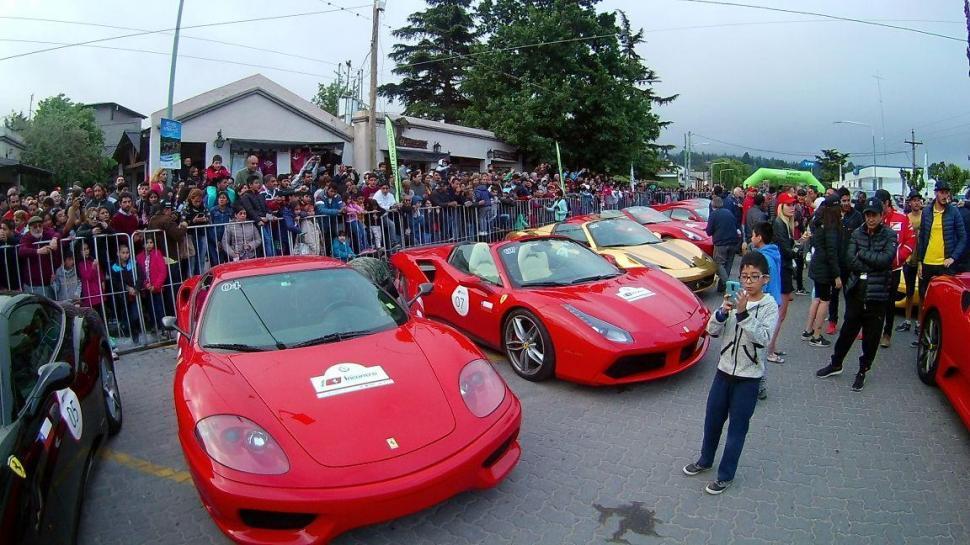 Los Ferraris pasearon su lujo y su potencia en Tafí del Valle