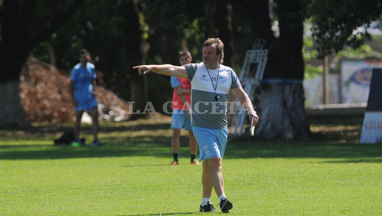 LISTA DEFINIDA. Ricardo Zielinski informó qué jugadores llevará a Formosa. ARCHIVO LA GACETA / FOTO DE FRANCO VERA