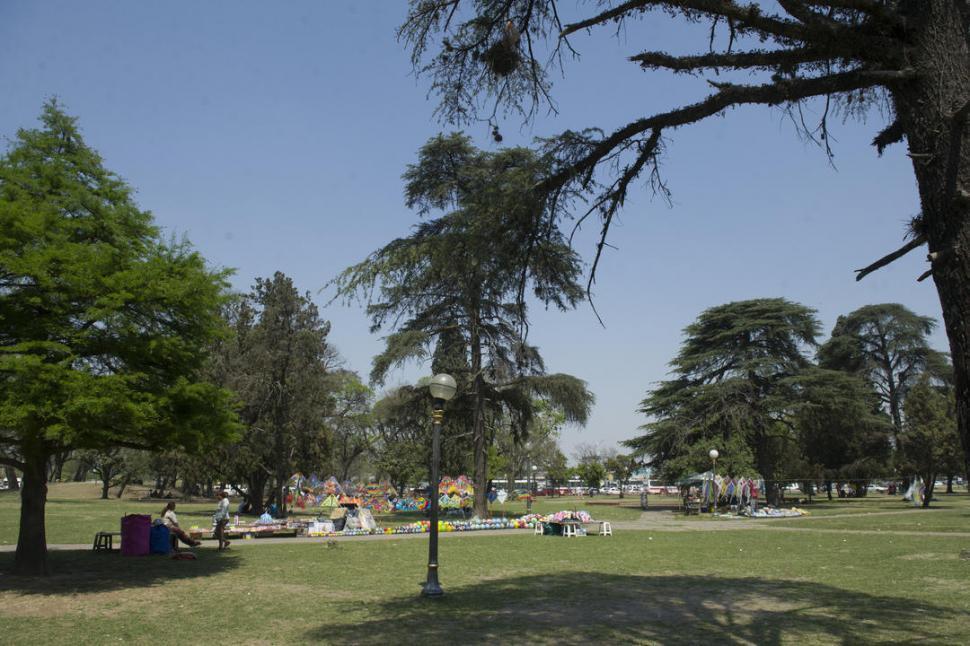 Legisladores del PJ evalúan quitar al municipio la administración del parque 9 de Julio