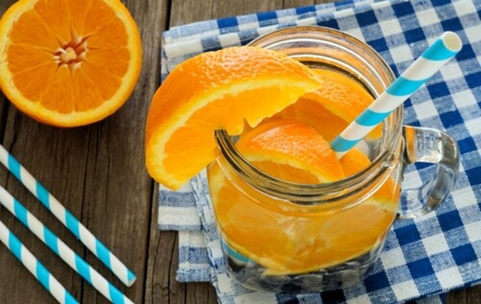 Naranja con jengibre y albahaca