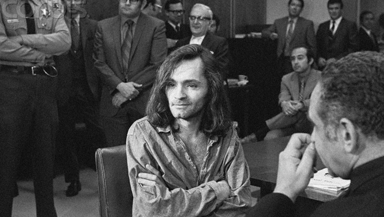 MANSON. El asesino, durante el juicio.