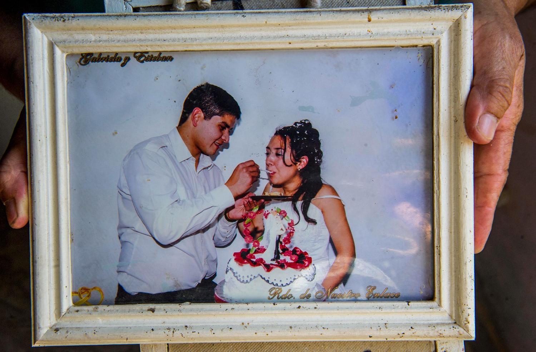 HACE CUATRO AÑOS. Esteban y Gabriela se casaron y tienen dos hijos. LA GACETA / foto de Jorge Olmos Sgrosso.