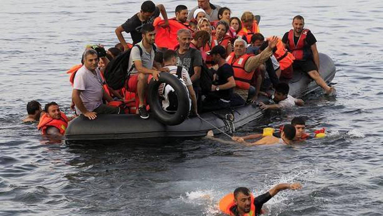 Refugiados en el mar Mediterráneo. FOTO TOMADA DE noticiasdenavarra.com