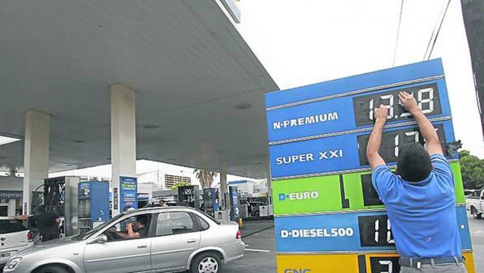 YPF y Shell aumentaron el precio de sus naftas
