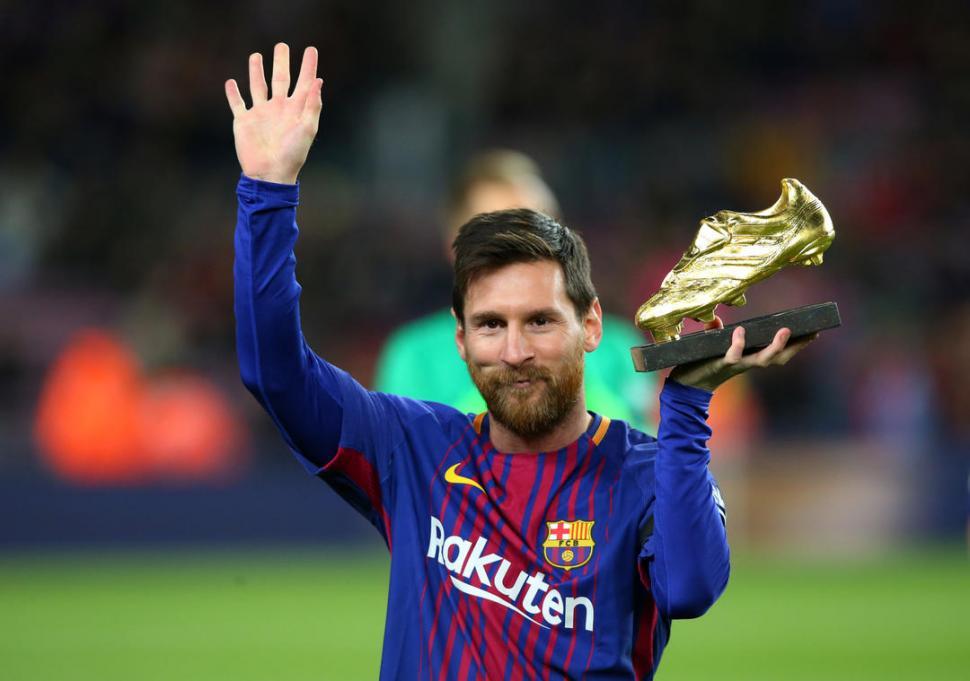 """Messi mostró el """"Botín de Oro"""" y Barcelona goleó - LA"""