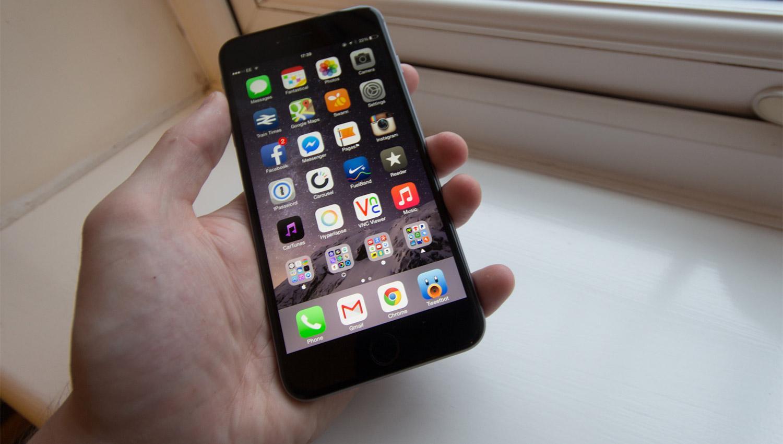 Apple admitió que relentiza deliberadamente los modelos antiguos de iPhone