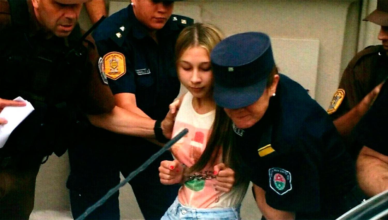 Nahir fue trasladada a la Comisaría del Menor y la Mujer. FOTO TOMADA DE WWW.TWITTER.COM/DOMENECH_NEWS