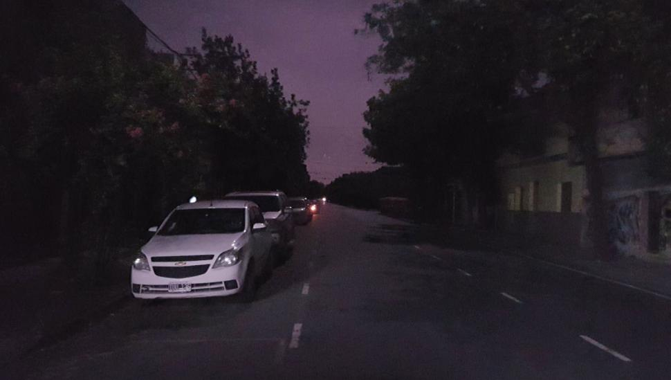 Un apagón dejó a oscuras a miles de tucumanos durante la madrugada