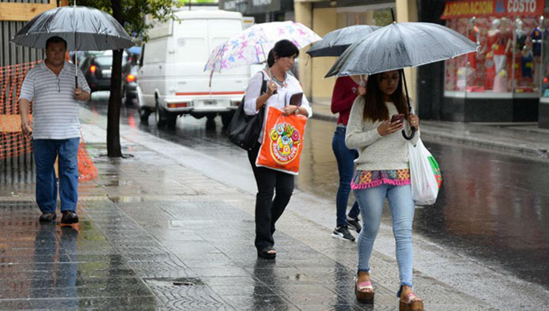 A TENER EN CUENTA. Está previsto que hoy llueva durante todo el día.