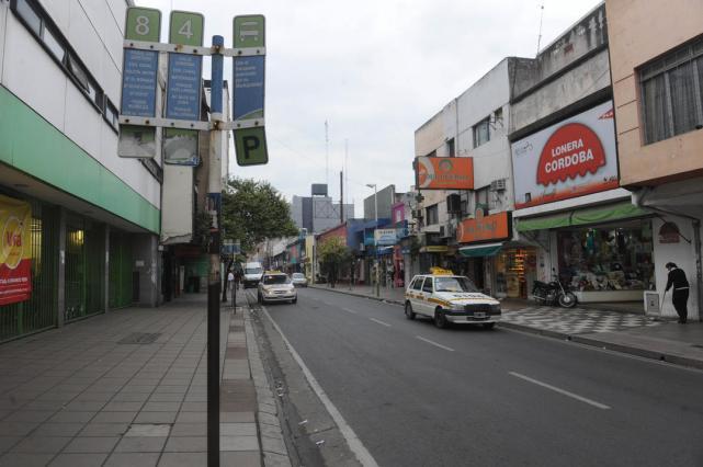 Resultado de imagen para paradas vacias colectivos paro tucuman