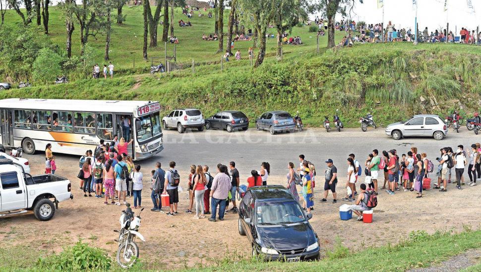 """Las vacaciones """"explotaron"""" en San Javier y en El Cadillal"""