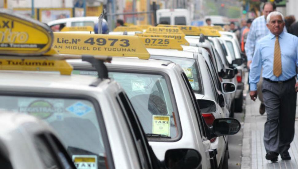 Taxistas amenazan con piquetes en febrero si no se ajusta la tarifa
