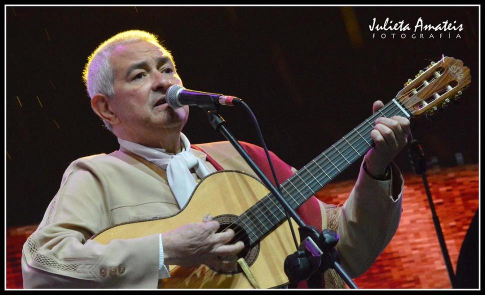 ANUNCIO. El folclorista comentó con entusiasmo que presentará pronto un nuevo disco, de estilo romántico. foto julieta amateis