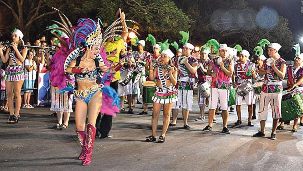 Fiestas en El Mollar, en Raco y en Tafí Viejo