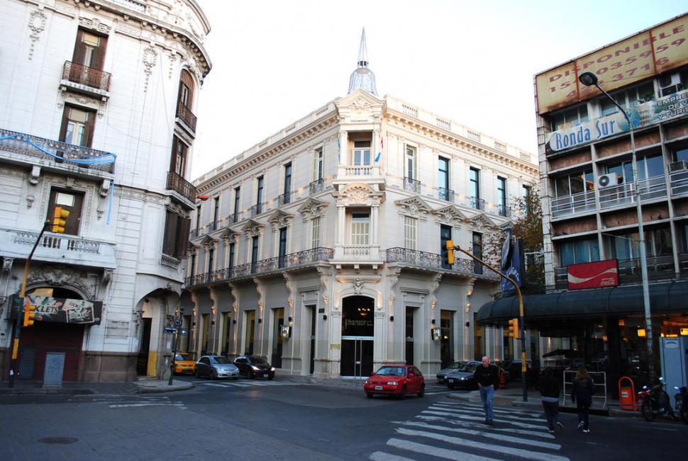 """EL """"PALACE"""" DE CÓRDOBA. En 1905 funcionaba en este edificio. Allí transcurrió el encierro del vicepresidente y otros prisioneros destacados."""