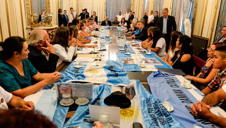 EN LA CASA ROSADA. El presidente Macri recibió a los familiares de los tripulantes del submarino ARA San Juan. (@CasaRosada)