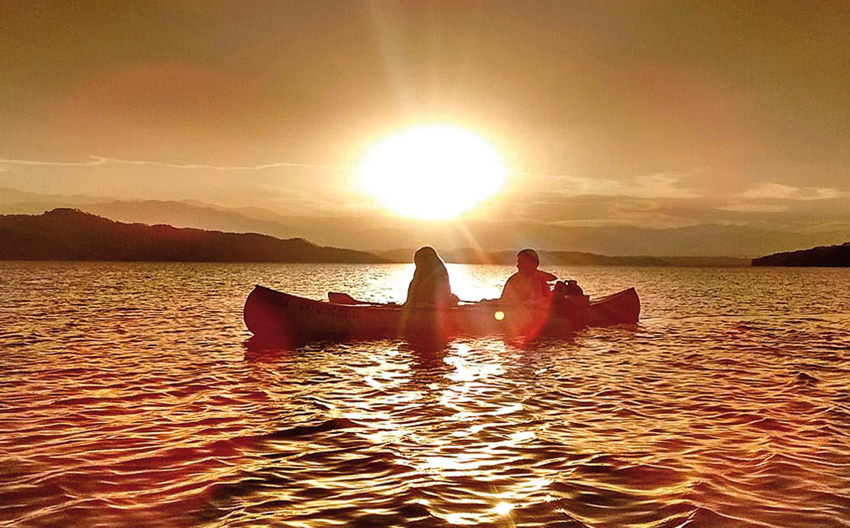 En canoa es posible descubrir un nuevo dique