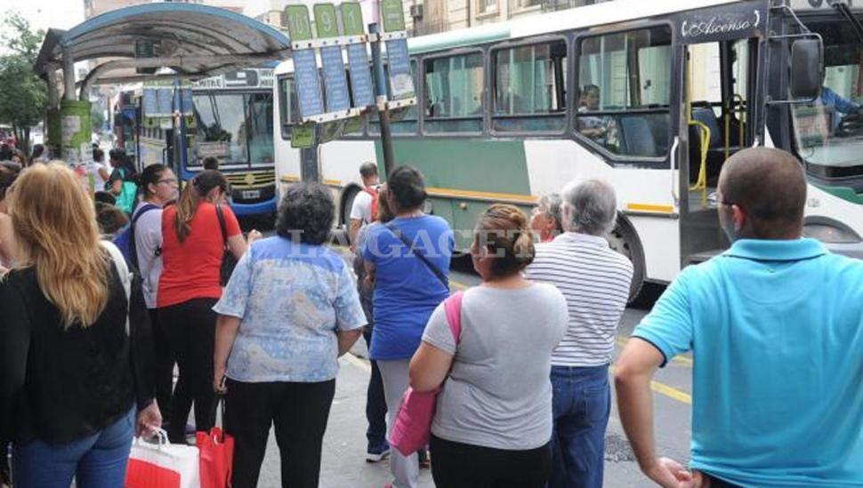En 20 años bajó un 35% el uso del ómnibus urbano
