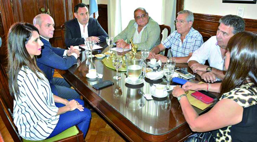 Paritaria docente: la Provincia ofreció una suba del 15% y los gremios la rechazaron