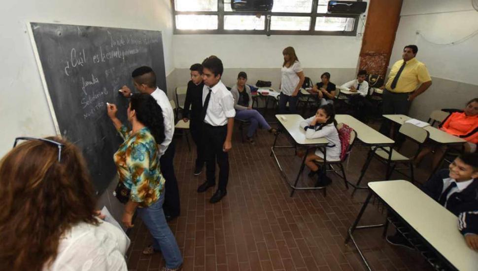 Hubo escuelas abiertas pero pocos estudiantes