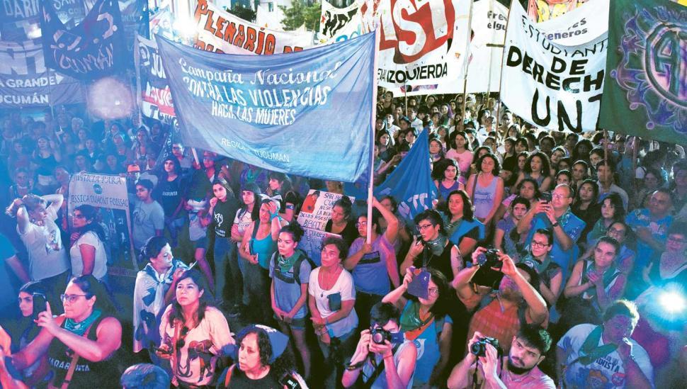Marcharon por igualdad y contra la violencia